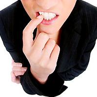 爪を噛む癖